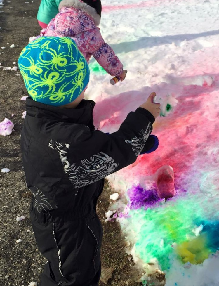 images/stories/HeaderImages/Frame4/snow painting.jpg